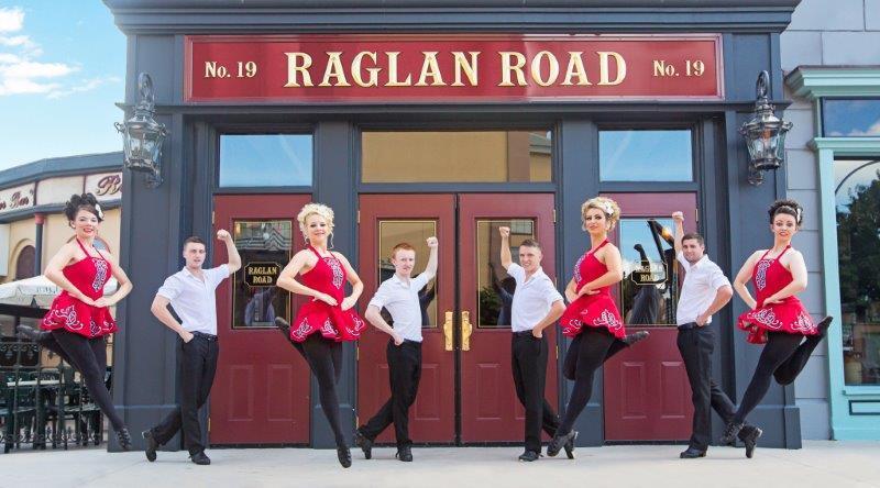 raglan-dancers